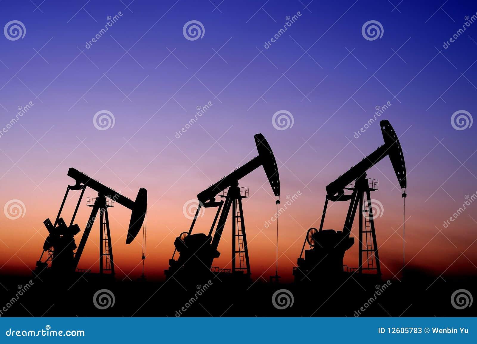 Benzynowy olej
