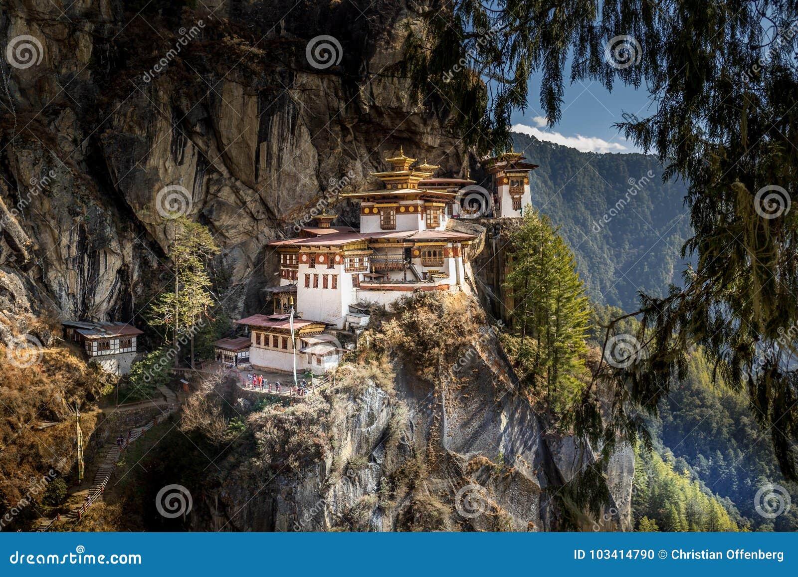 Berömd kloster för rede för tiger` s nära Paro, Bhutan