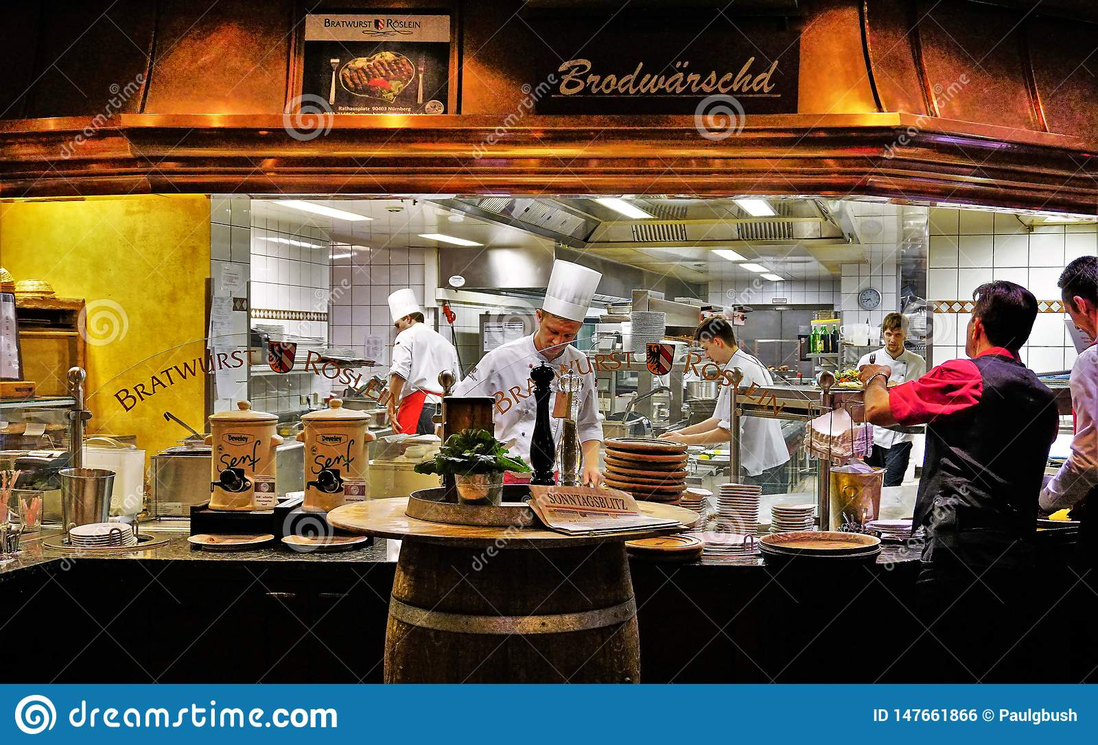 Berühmte Bratwurst Roslein-Restaurant-Küchen-Szene