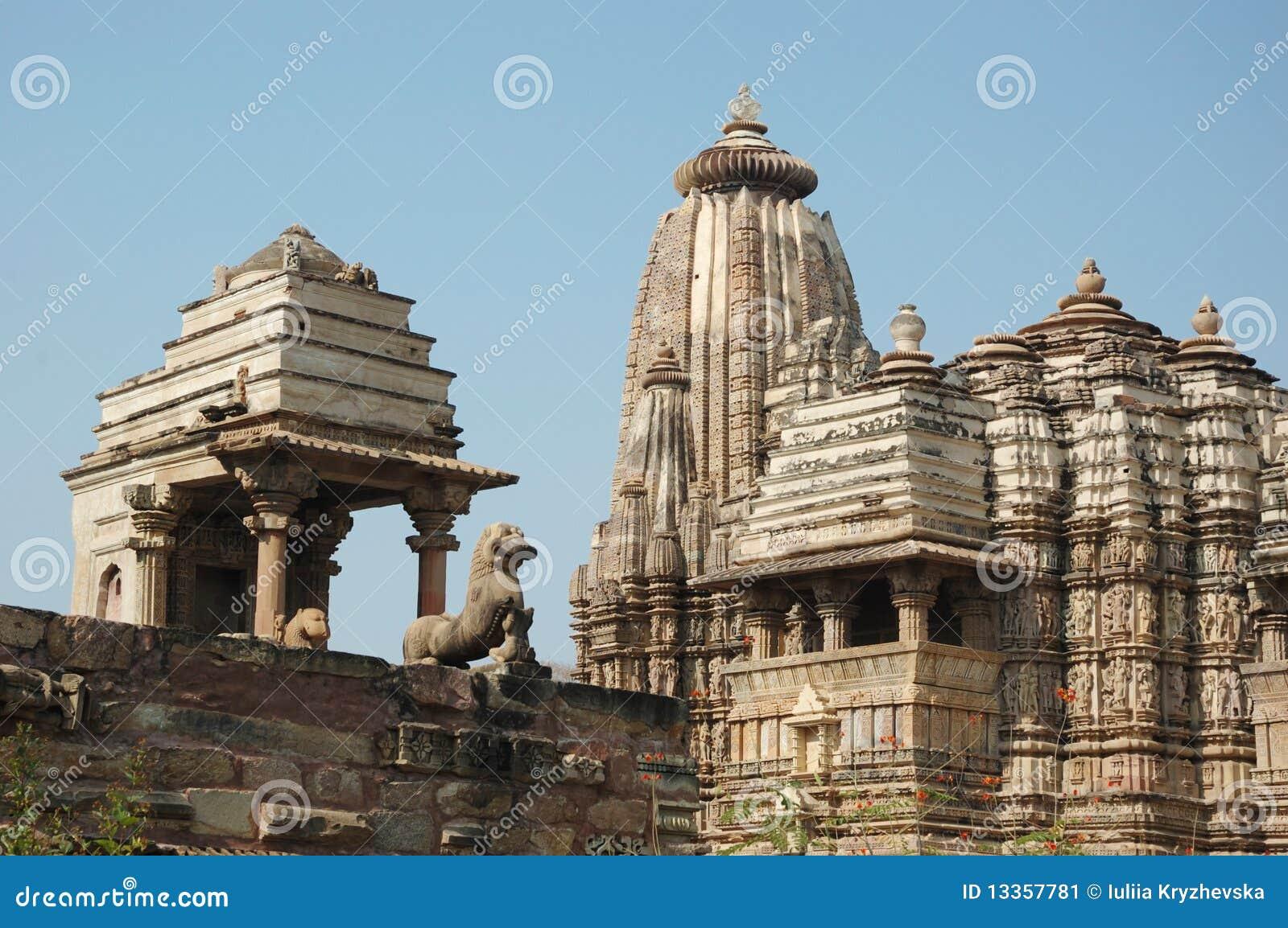 Berühmte heilige hinduistische Tempel bei Khajuraho, Indien