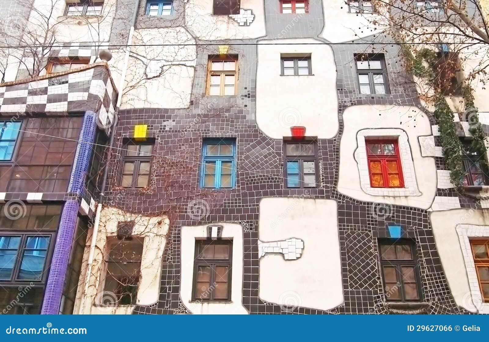 ber hmte und seltsame wohnbl cke durch architekten friedrich hundertwasser redaktionelles foto. Black Bedroom Furniture Sets. Home Design Ideas