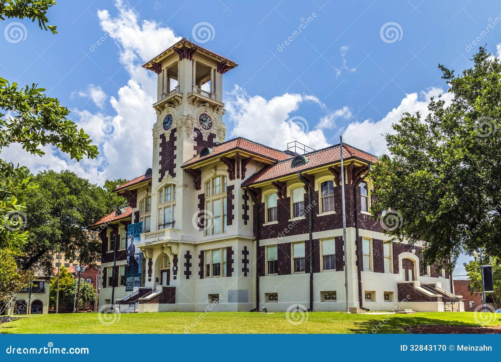 Berühmtes historisches Rathaus im See