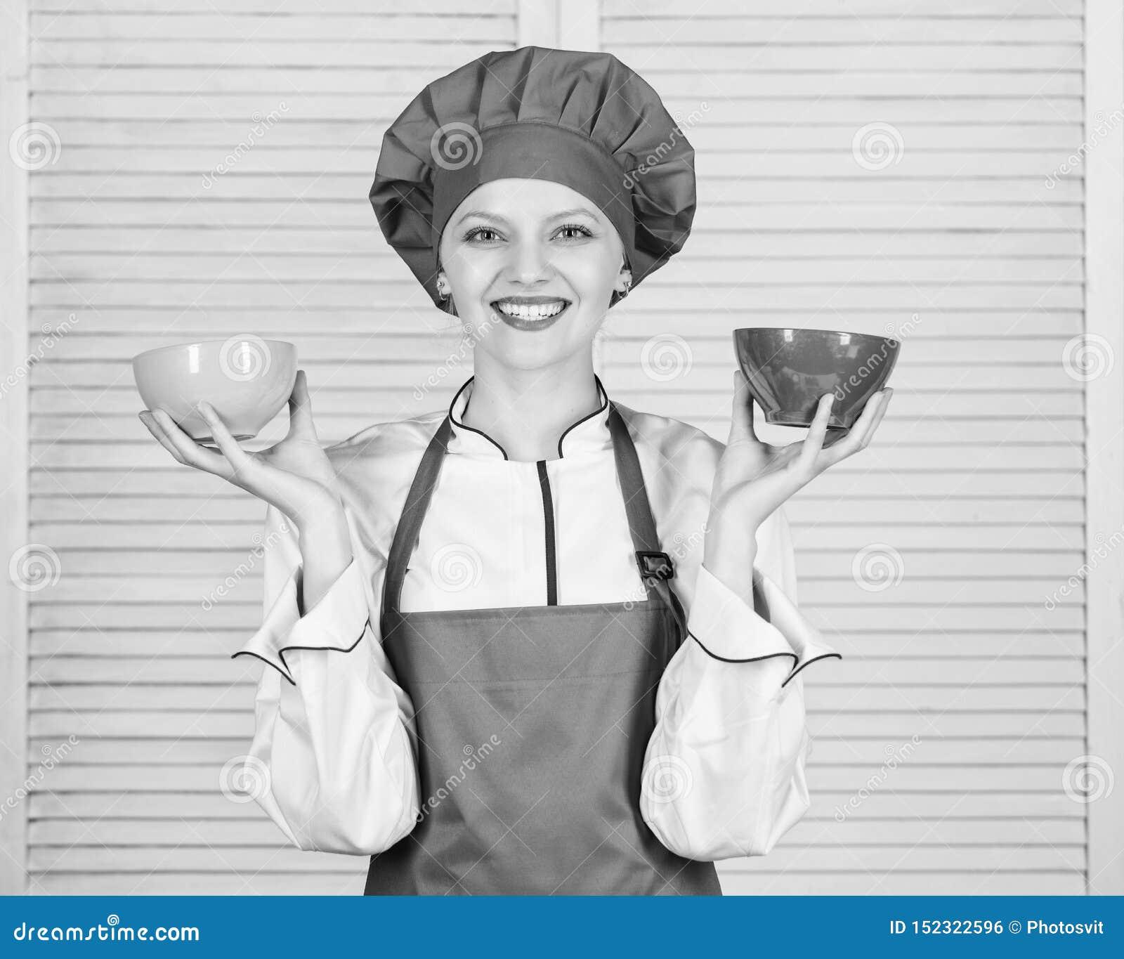 Ber?kna den normala delen av mat Ber?kna ditt matportionformat Banta och banta begrepp Bunkar f?r kvinnakockh?ll
