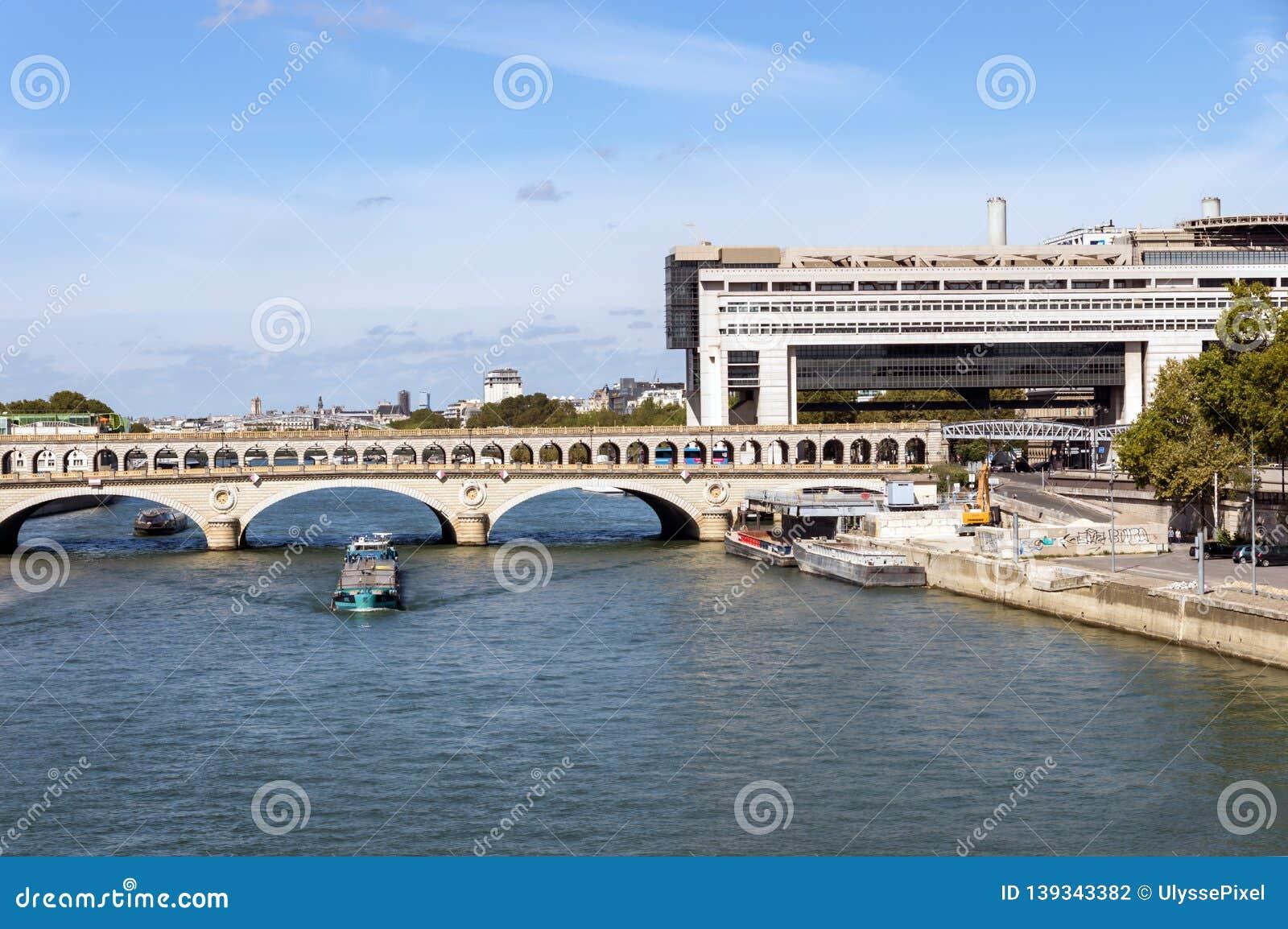 Paris Bercy Seine
