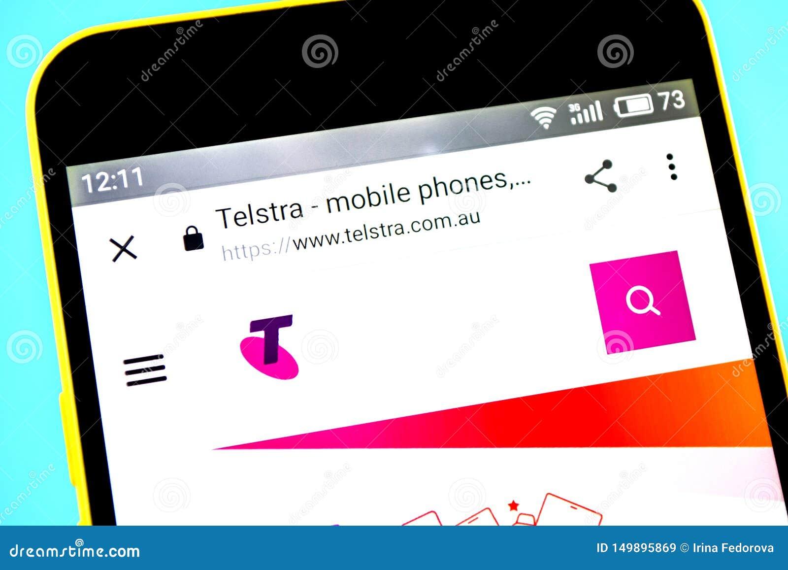 Berdyansk, Ucrânia - 14 de maio de 2019: Editorial ilustrativo do homepage do Web site de Telstra Logotipo de Telstra visível na