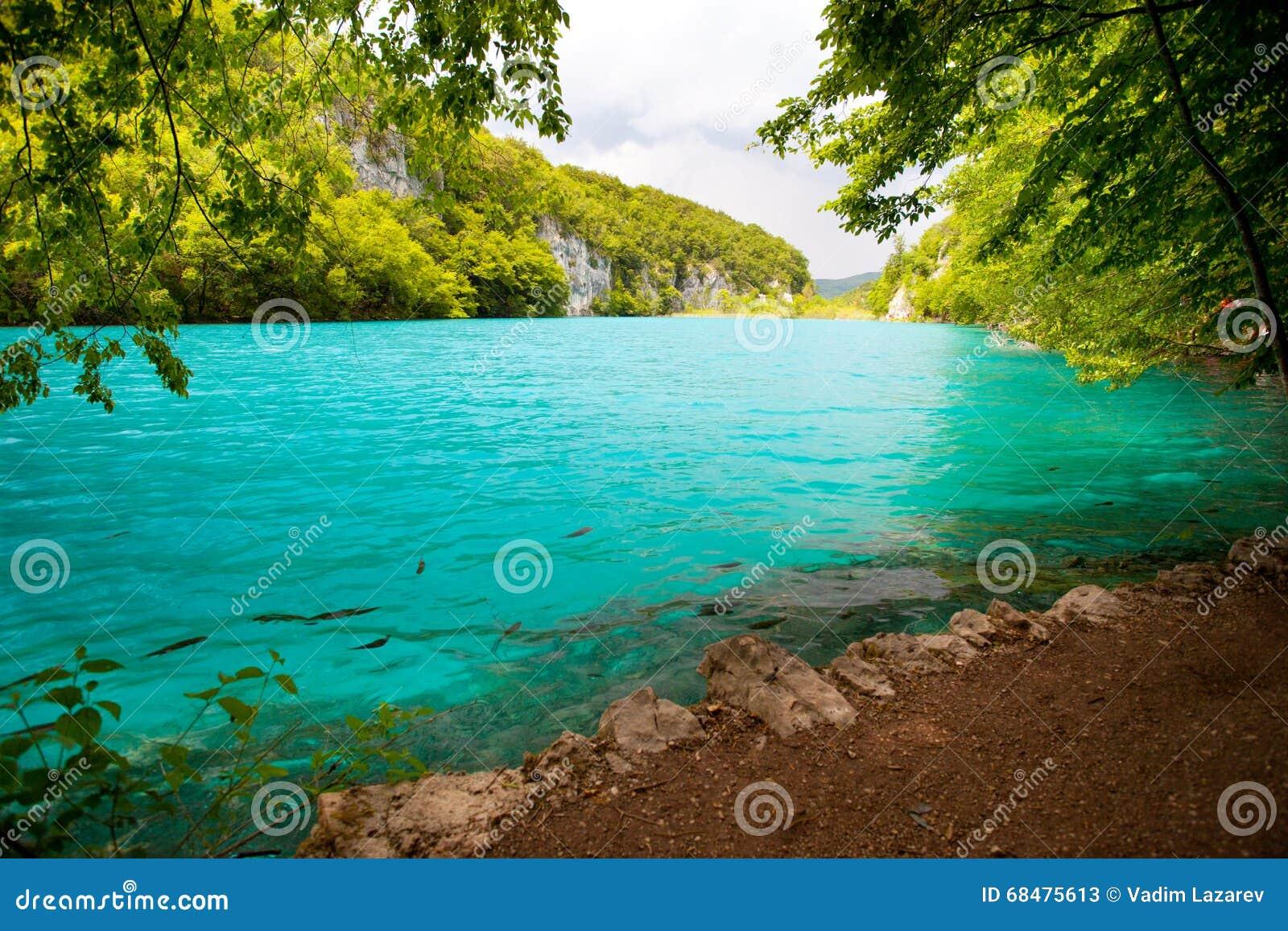 Berg för berg för lake för gummilacka för corsica corsican crenode france