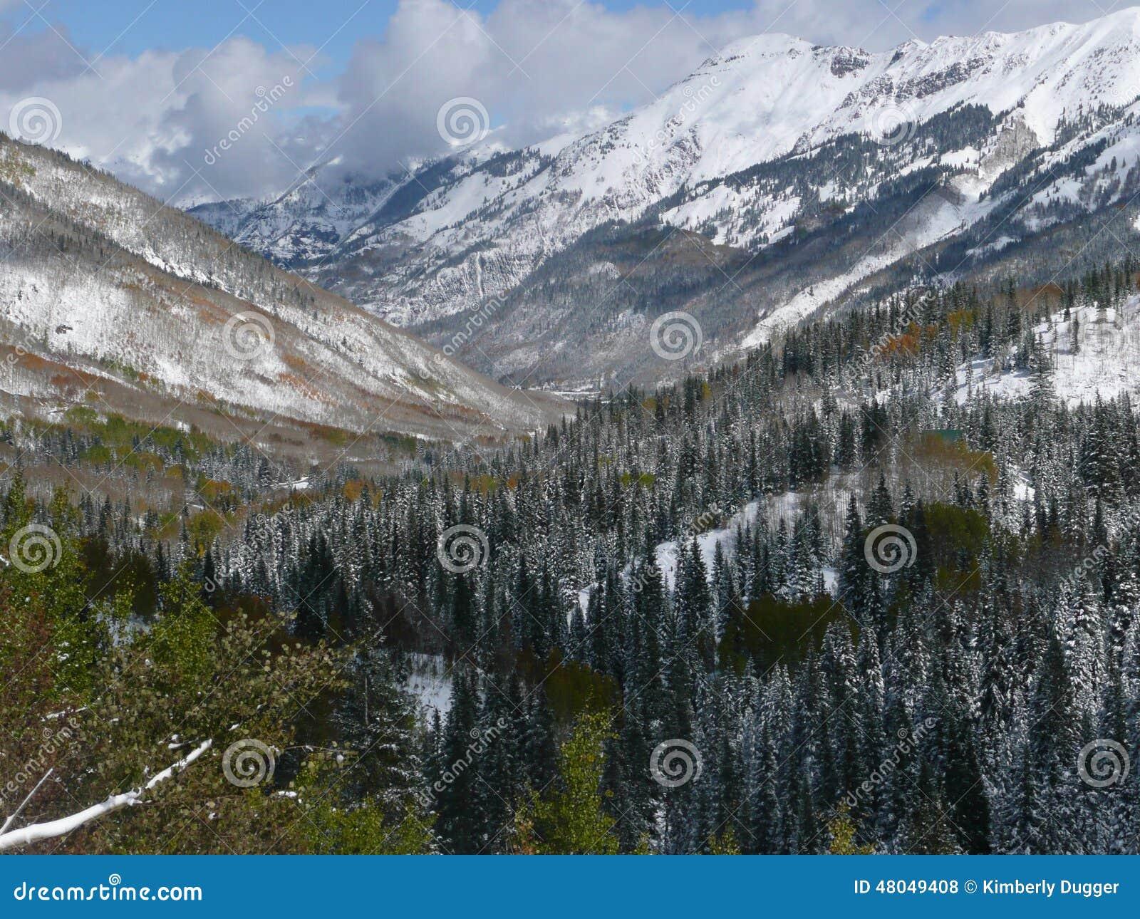 Berg längs miljon dollarhuvudväg, Colorado