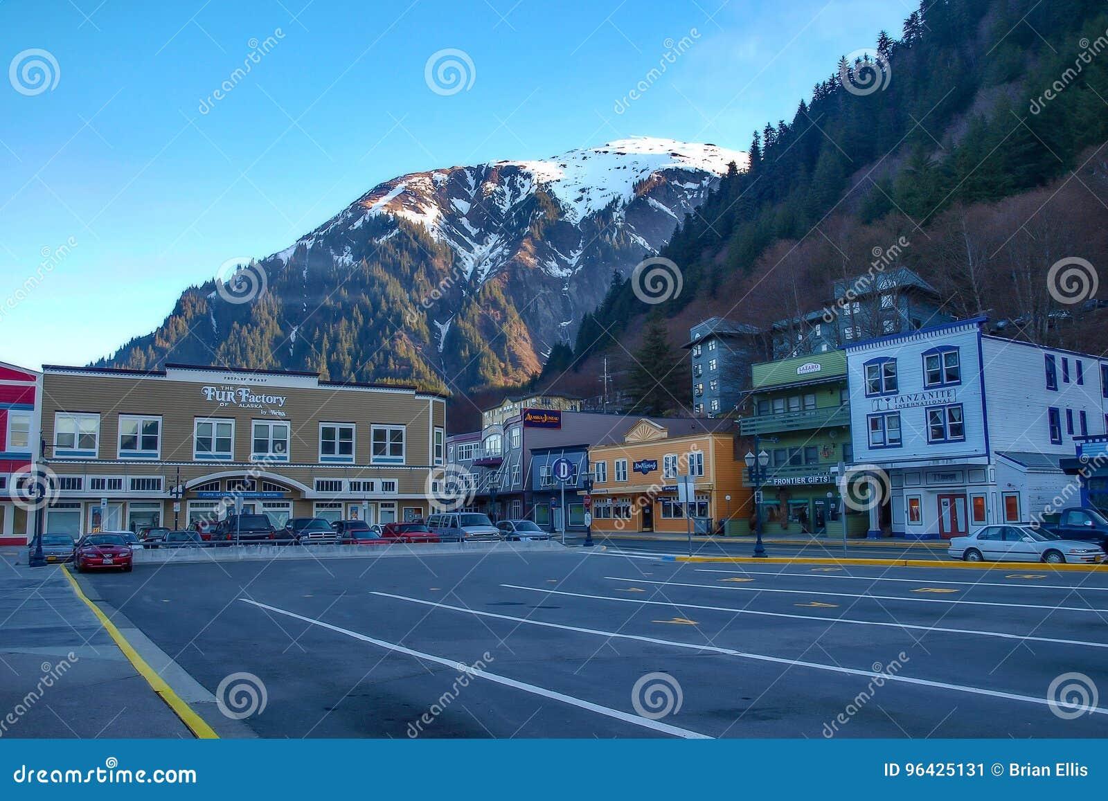 Berg over Juneau