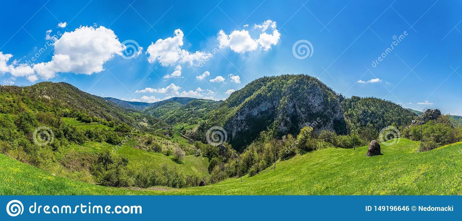 Berg in Servi? Servi?r: Sokolskaplanina dichtbij de stad van Krupanj Het behoort tot de lagere bergen, met hoogste po