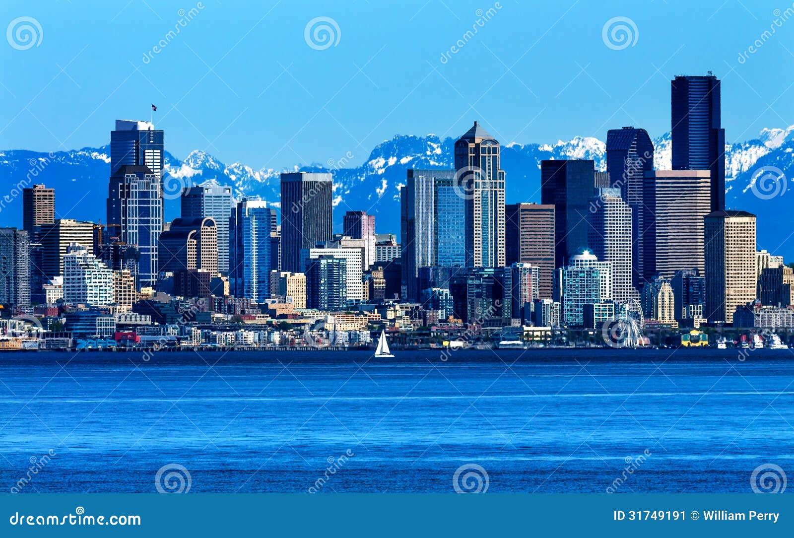 Berg Washington State för Seattle horisontPuget Sound kaskad