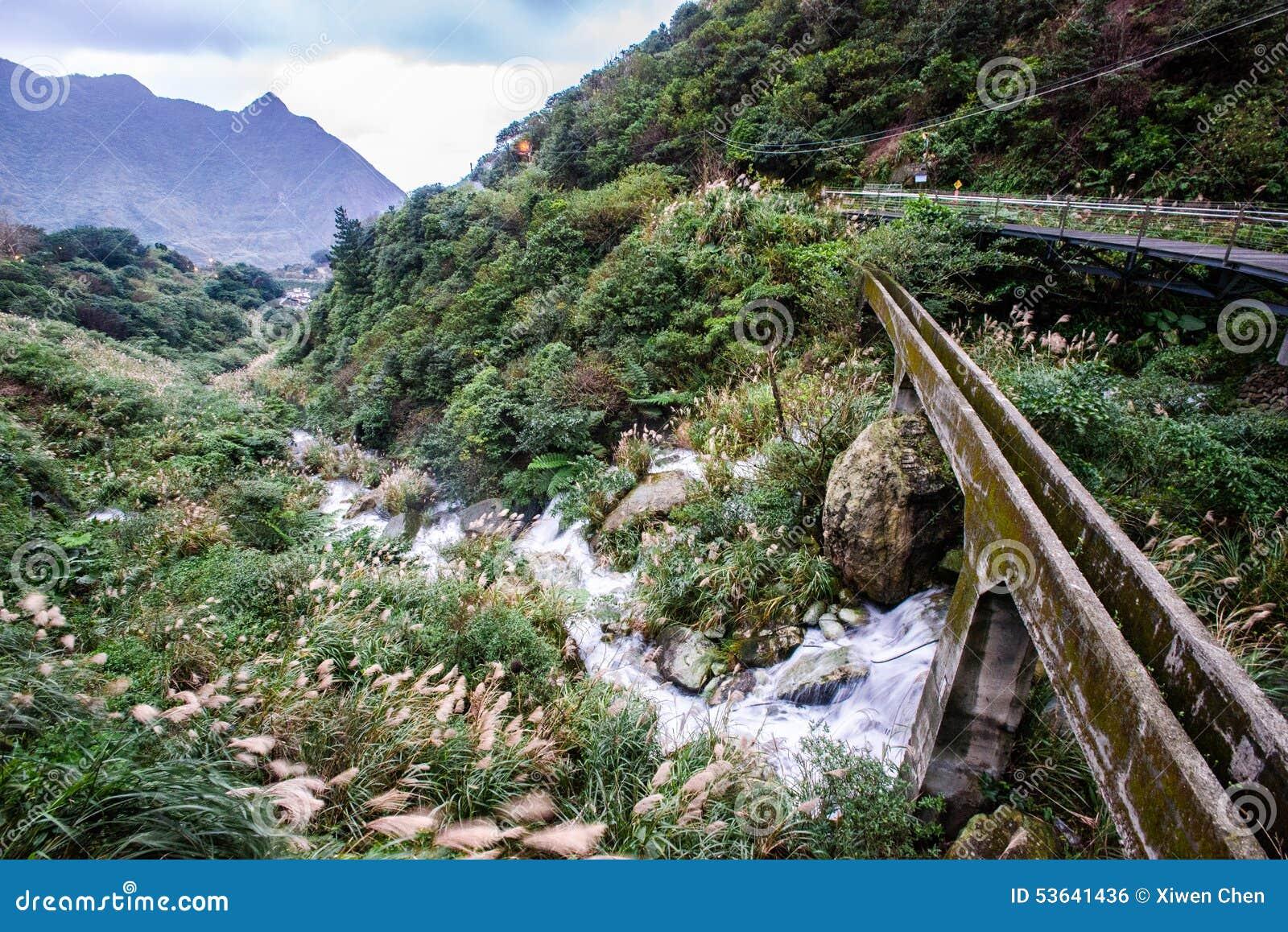 Bergblick im jinguashi, Taipeh, Taiwan