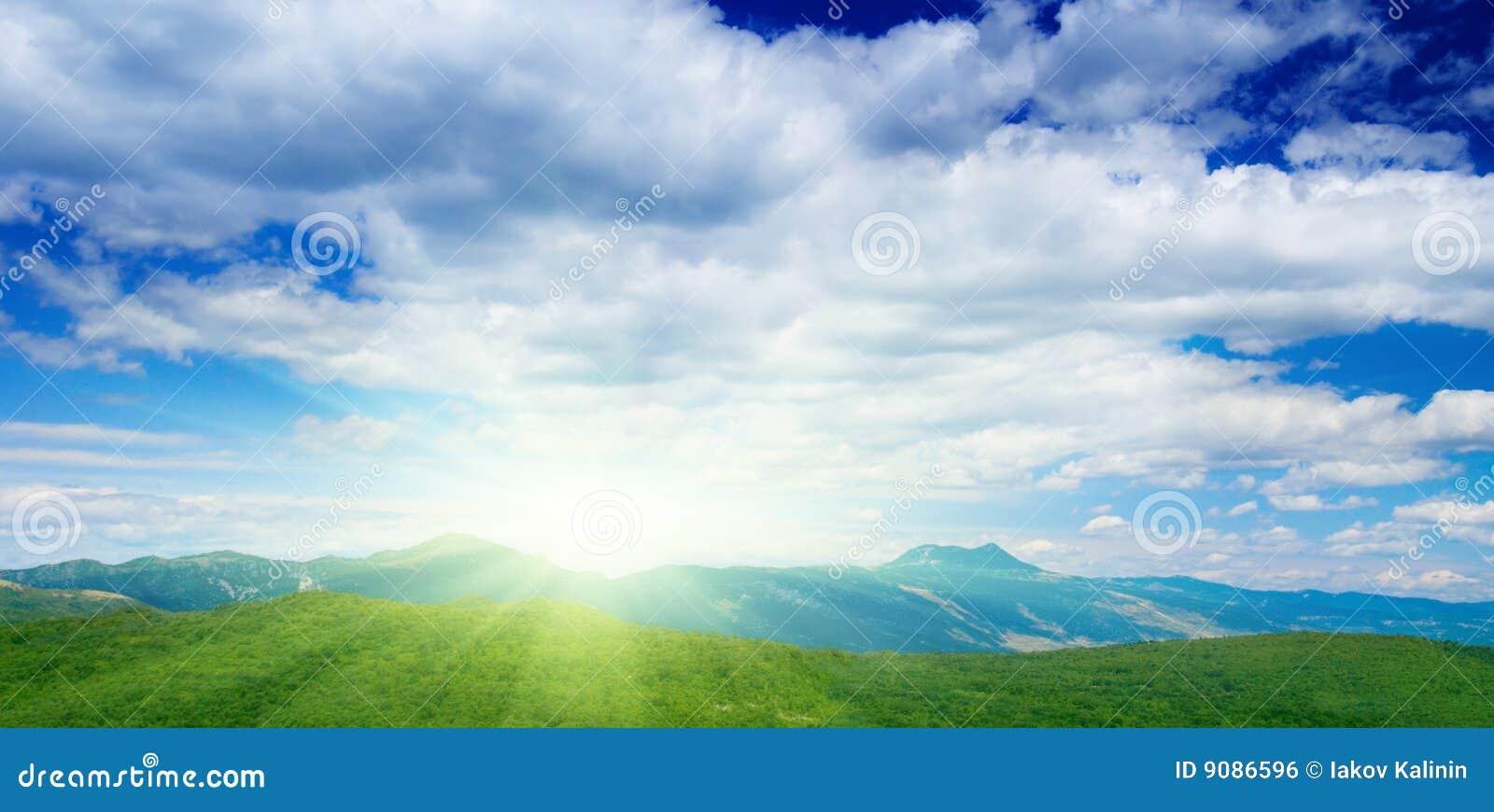 Berge und Himmel