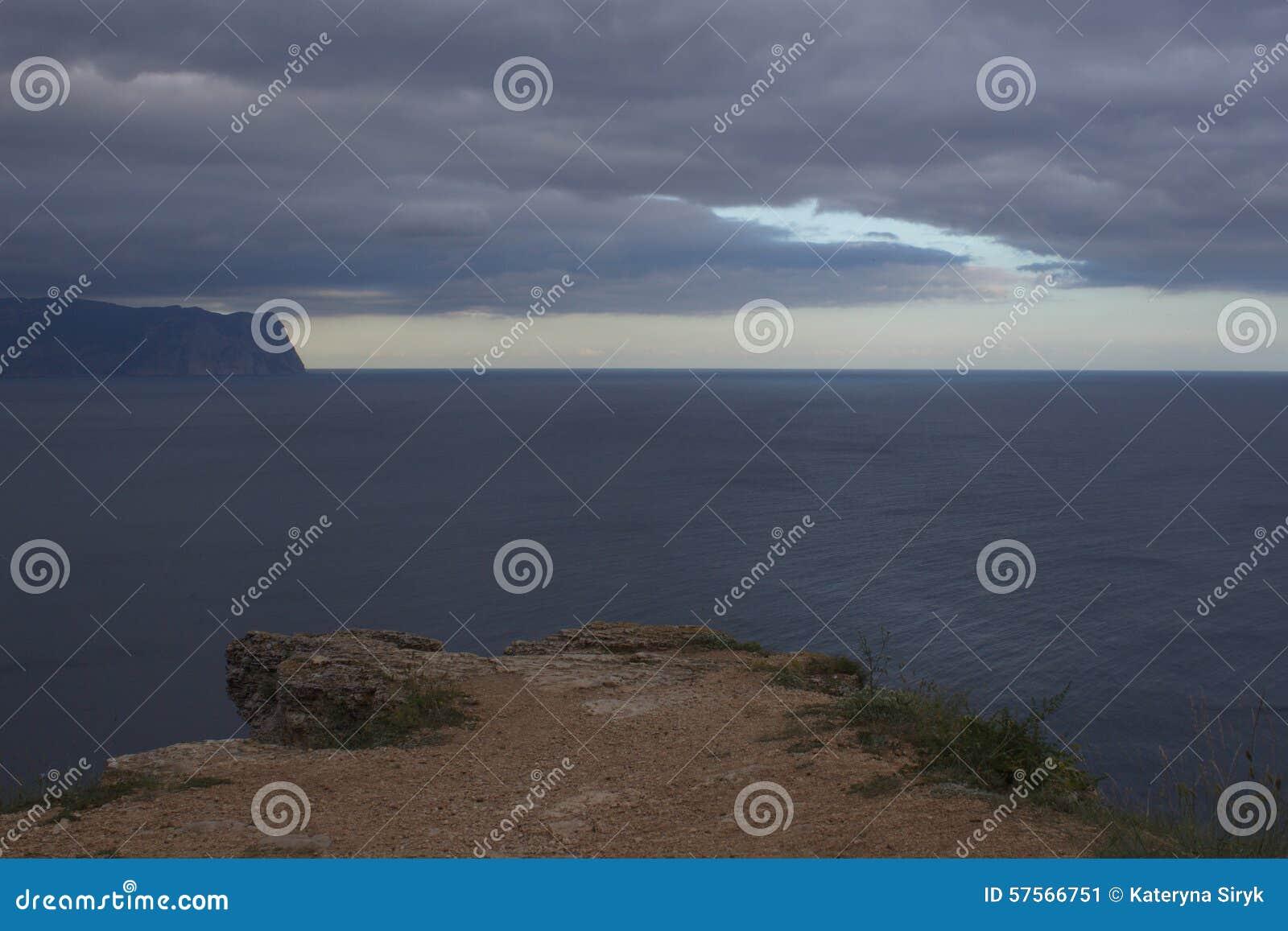 Berge und Seelandschaft