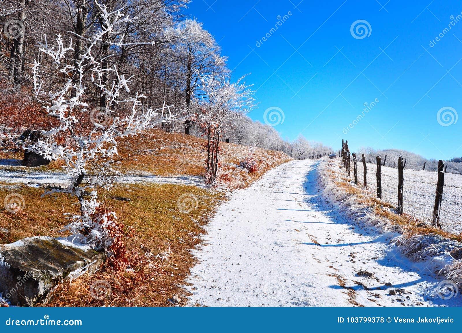 Bergeisiges lanscape, Winterszene