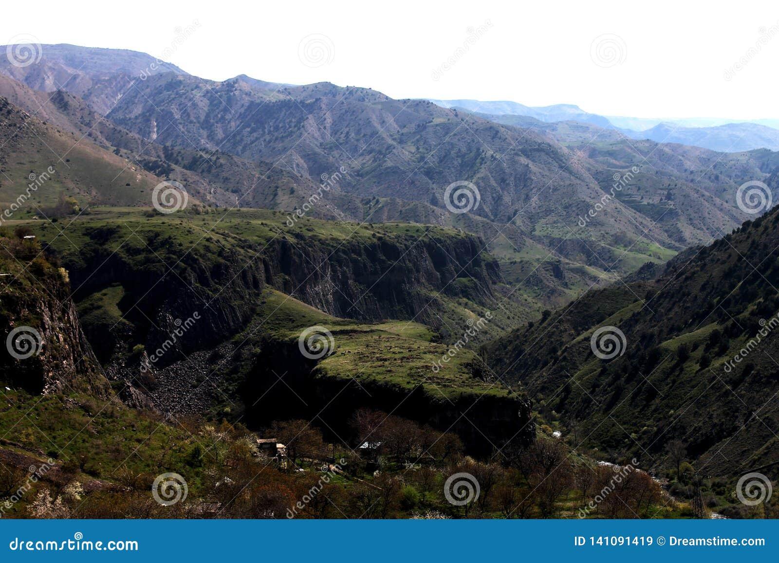 Bergen av Armenien - jordisk skönhet