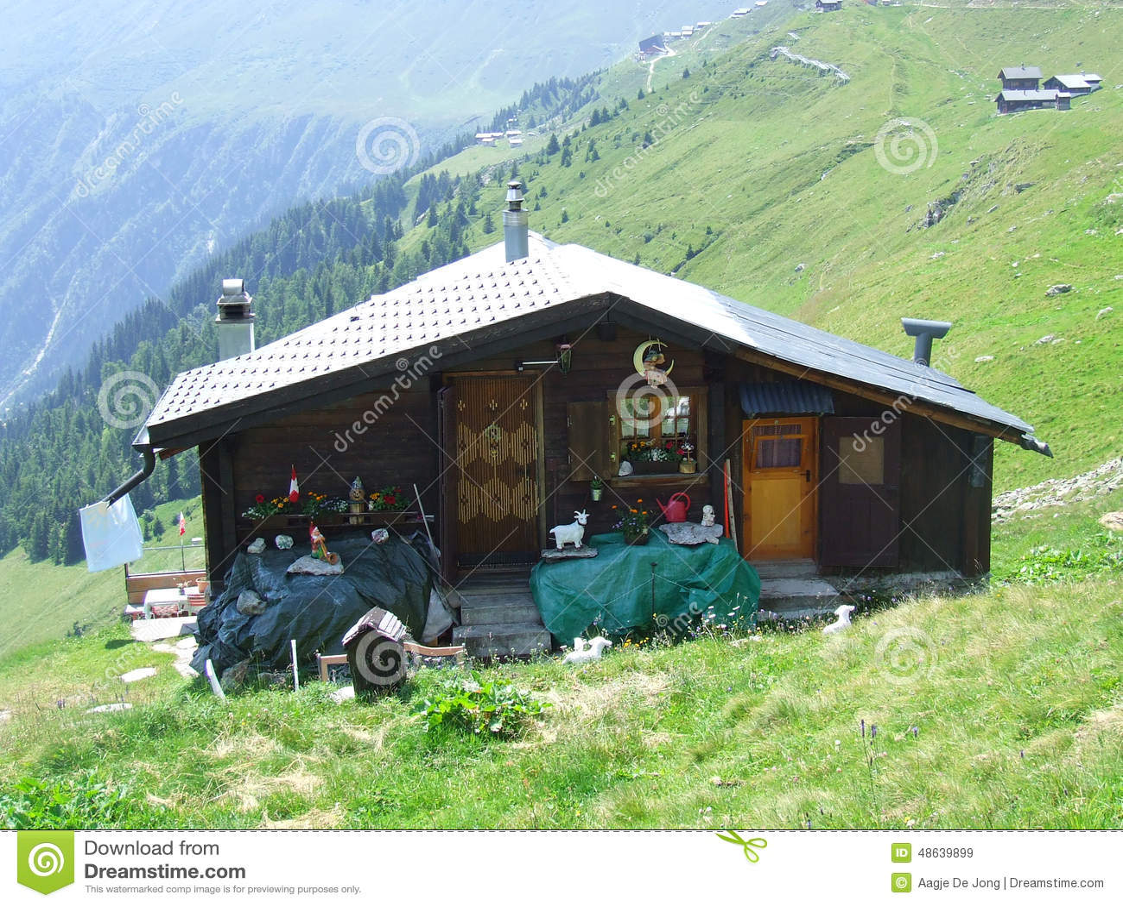 Berghut in zwitserland stock foto afbeelding 48639899 - Berghut foto ...