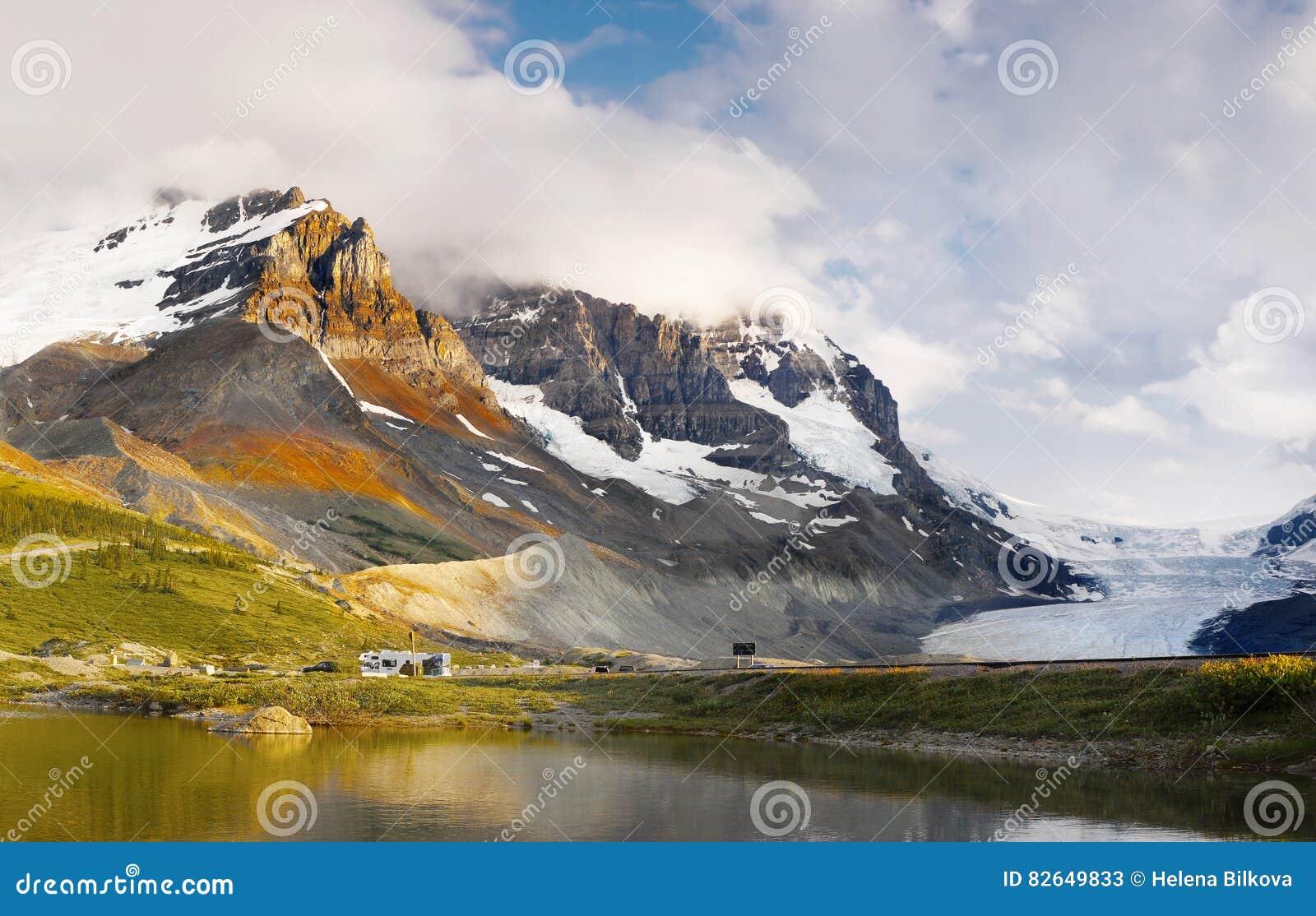 Bergketenlandschap, Rocky Mountains, Canada