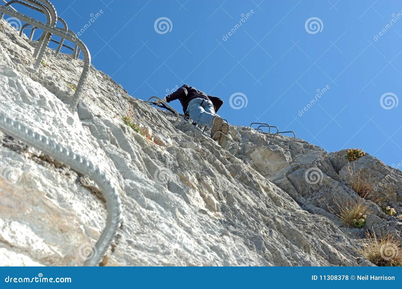 Bergsteiger auf a über ferrata