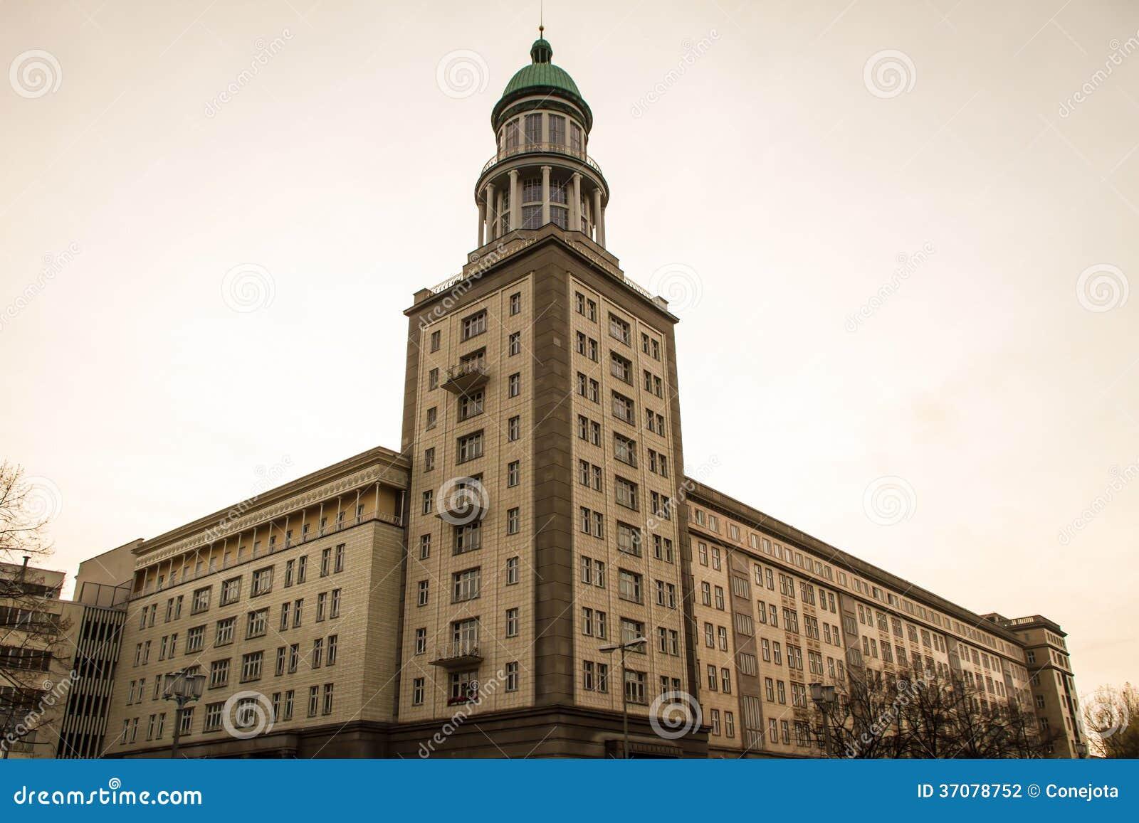 Download Berlińska fasada zdjęcie stock. Obraz złożonej z destination - 37078752