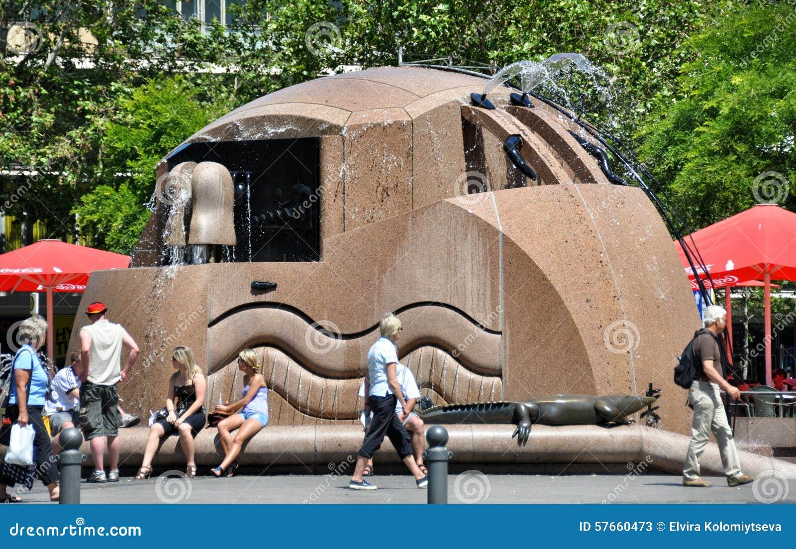 Berlin, Allemagne : Fontaine de Platz d Europa