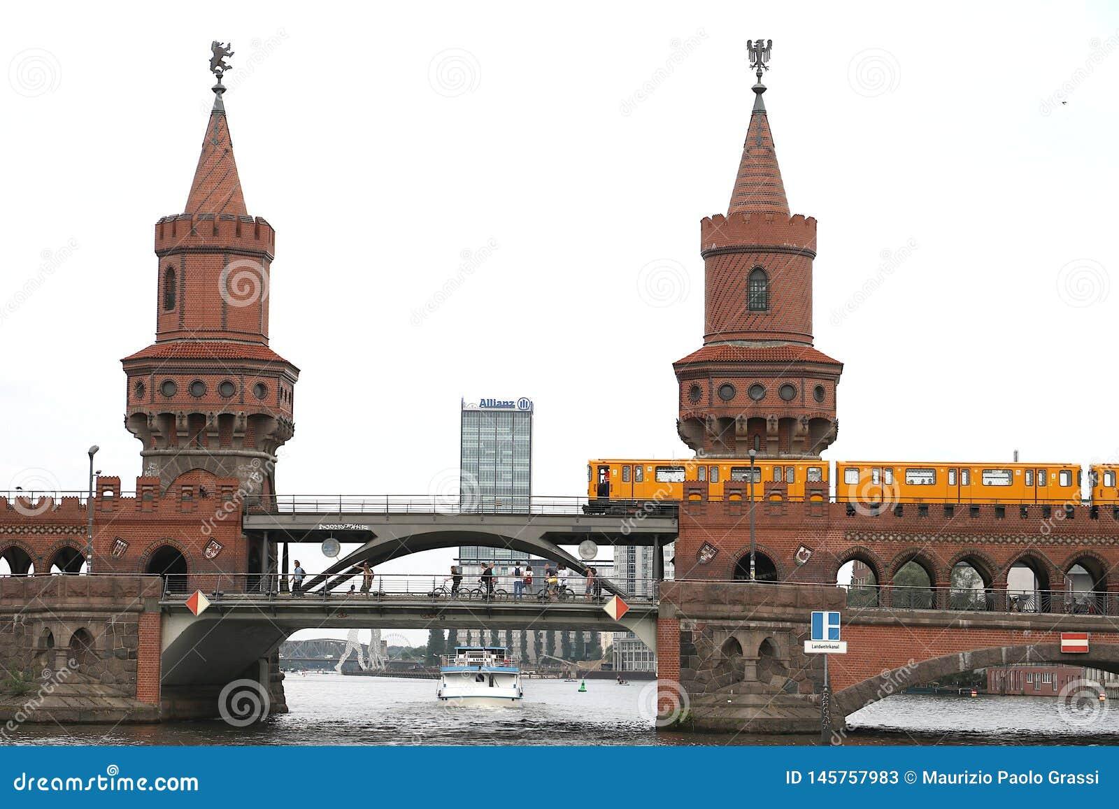 Berlin, Allemagne, le 13 juin 2018 L à deux niveaux