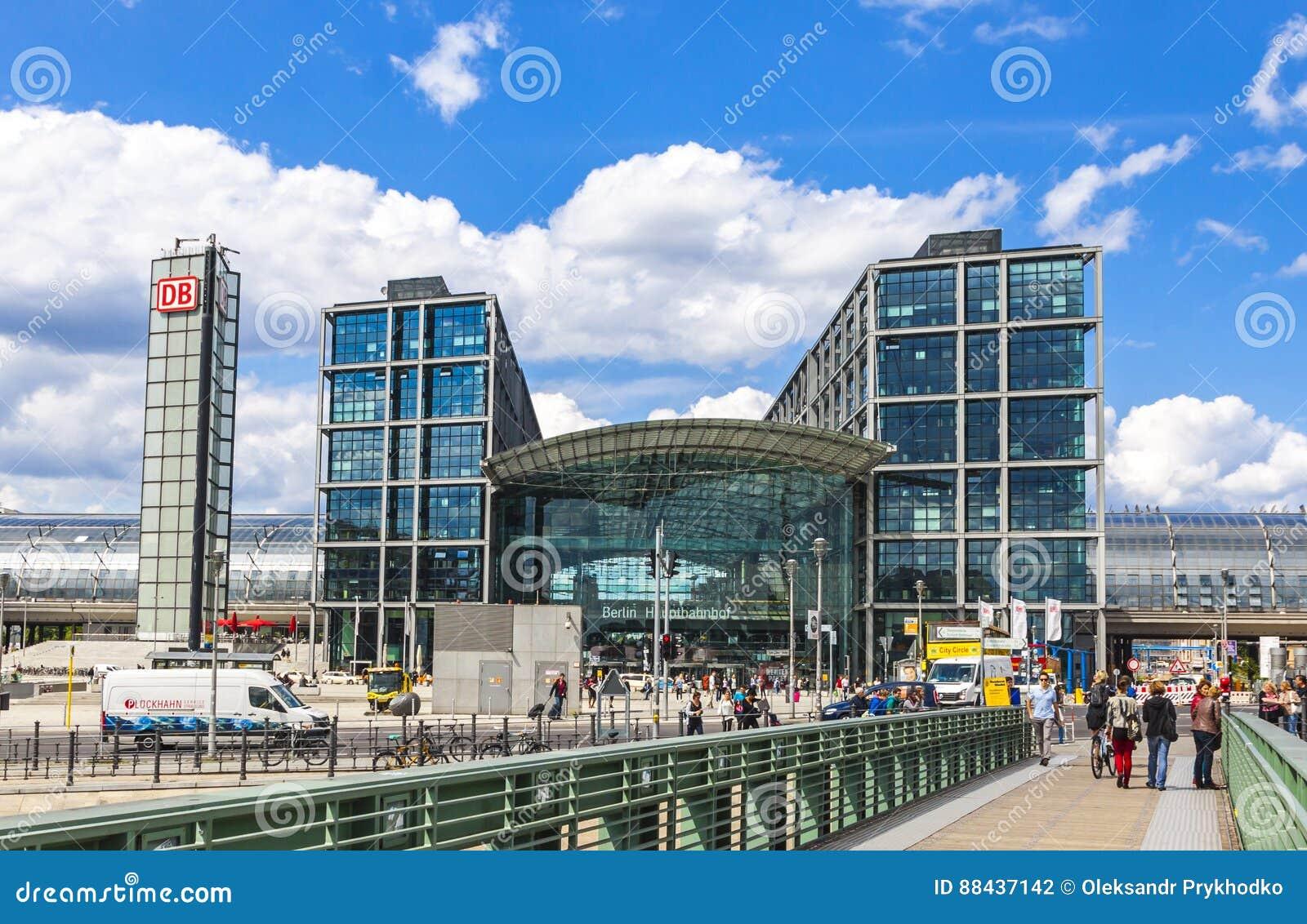 berlin central railway station berlin hauptbahnhof redactionele fotografie afbeelding 88437142. Black Bedroom Furniture Sets. Home Design Ideas