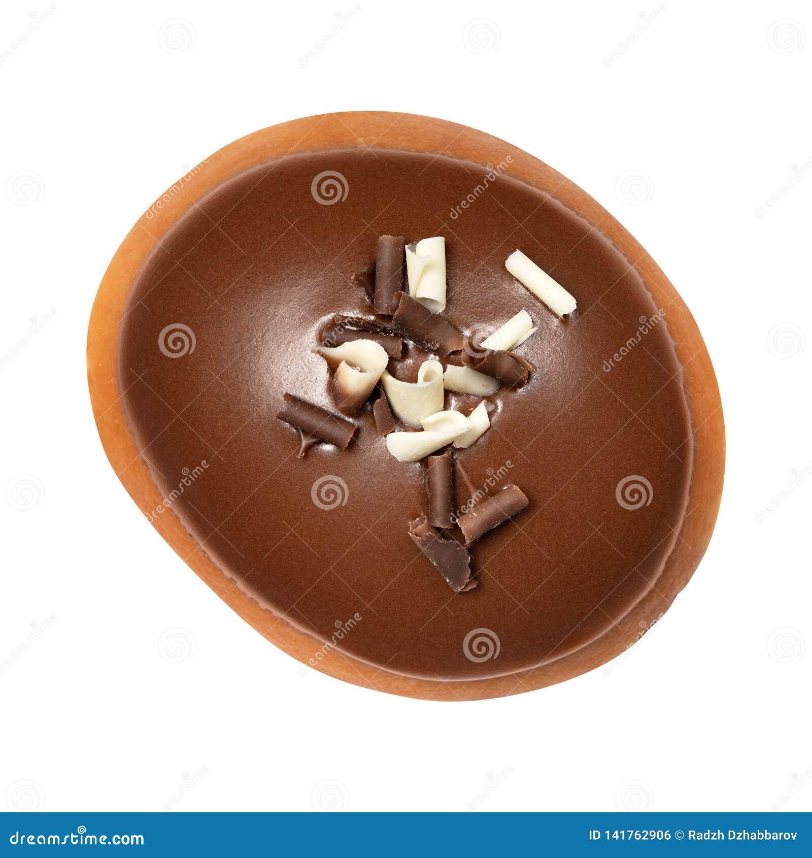 Berlin Donut con el esmalte del chocolate aislado en el fondo blanco Un buñuelo del chocolate Front View Visión superior