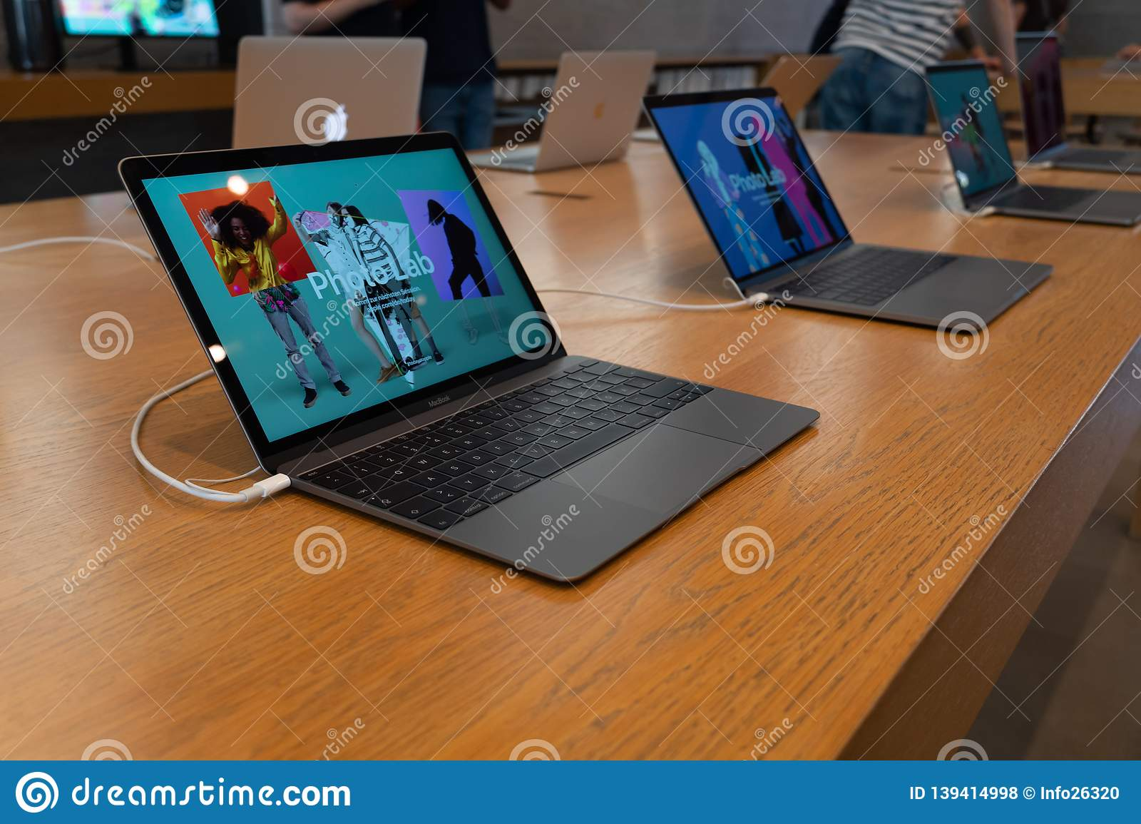 Apple computers and prices