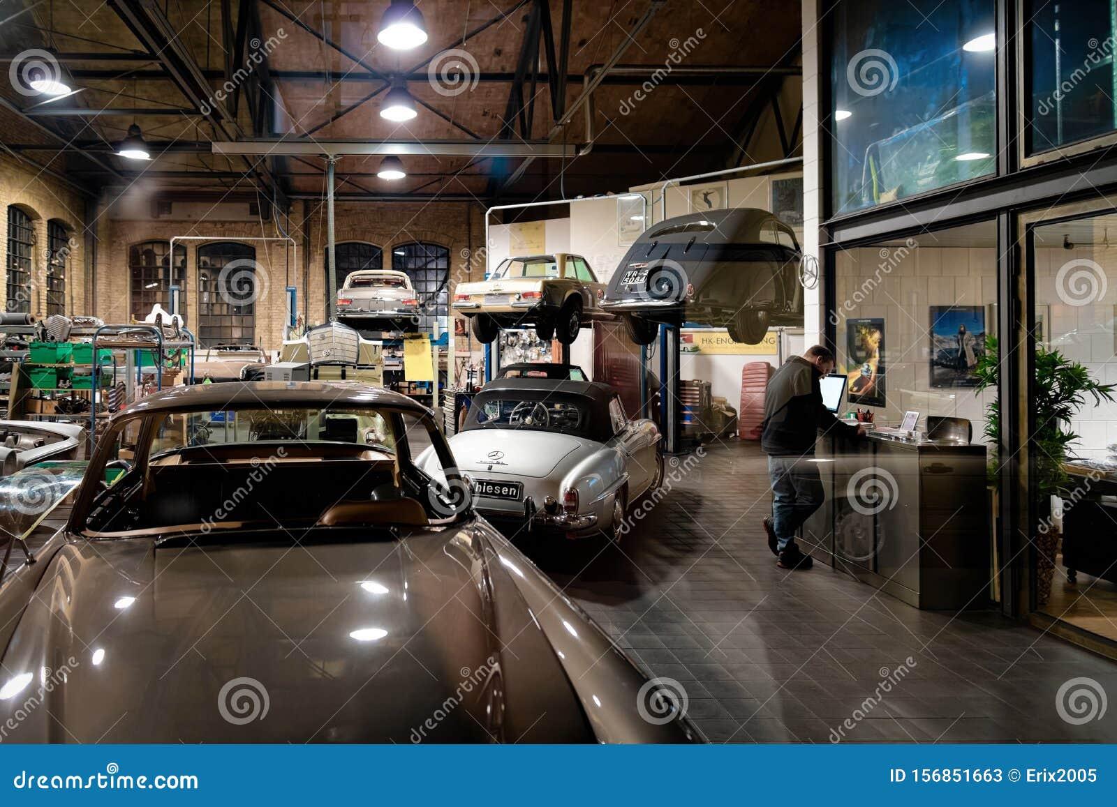 Retro Car Garage Auto Repair Shops Editorial Stock Photo Image Of Design Parking 156851663