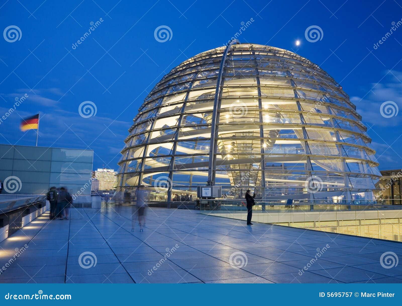 Berlin kopuły reichstagu szklany dach