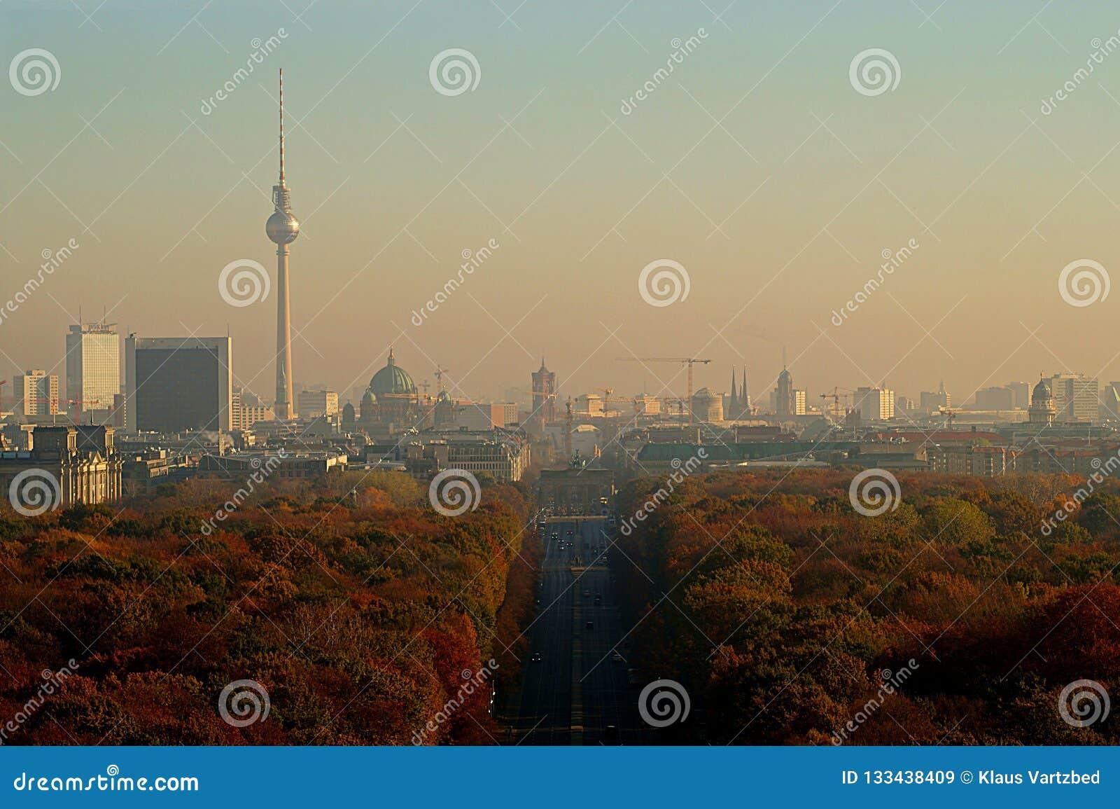 Berlin Panorama con el parque de Tiergarten