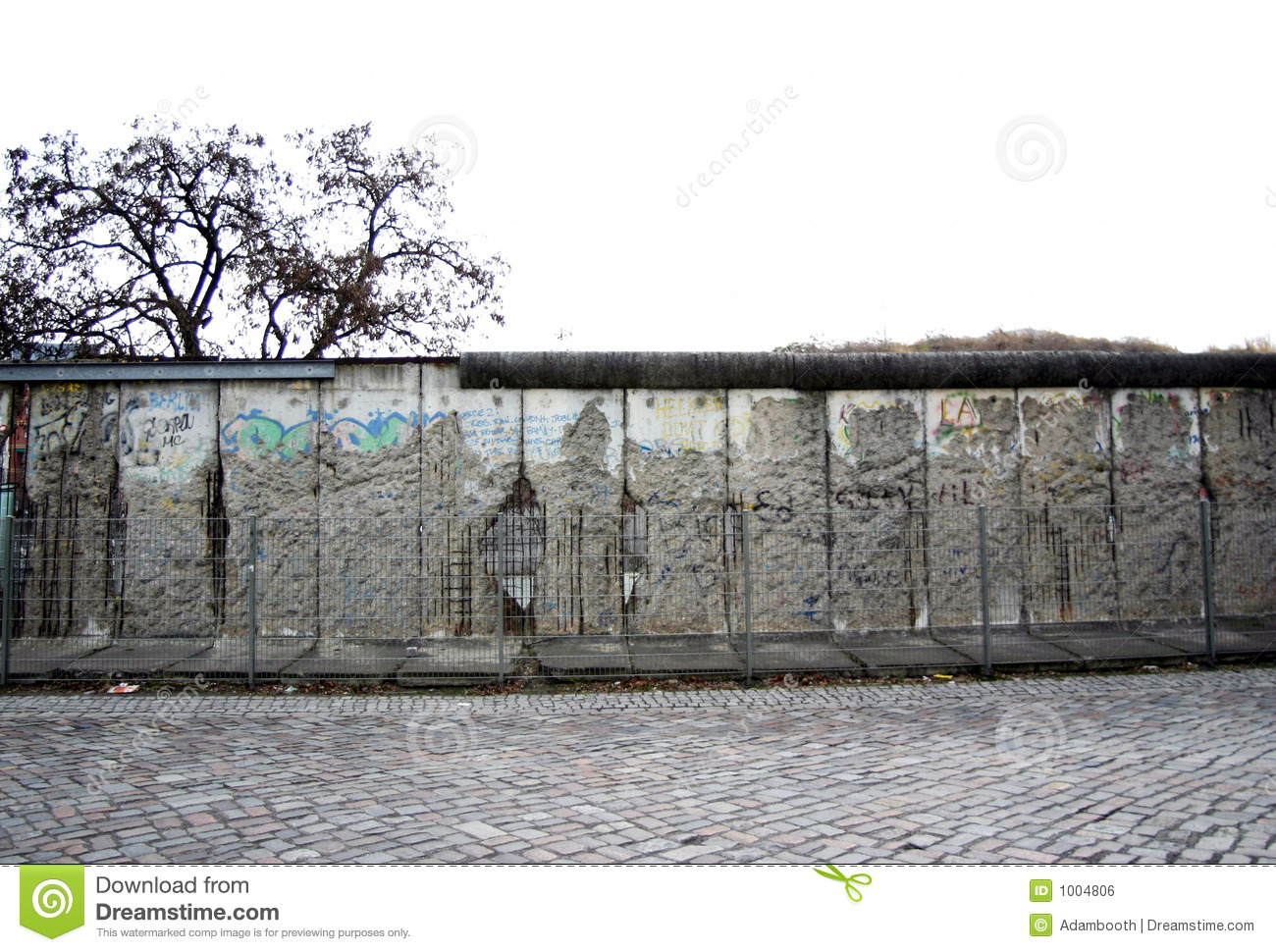 Berlin wall date in Brisbane