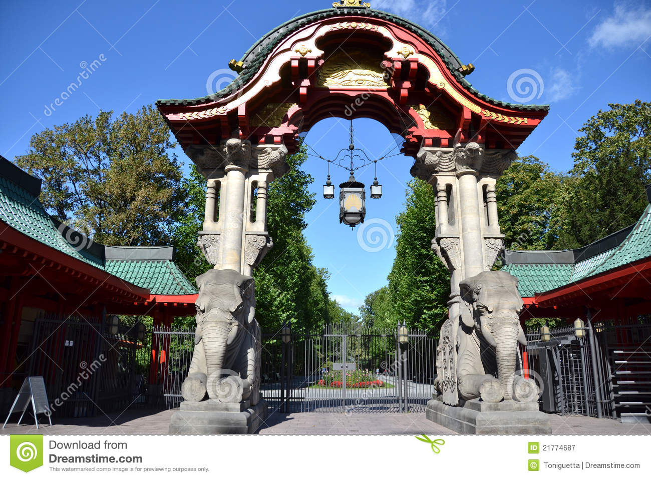 berlin zoo gate stock image image of garten zoologischer 21774687. Black Bedroom Furniture Sets. Home Design Ideas