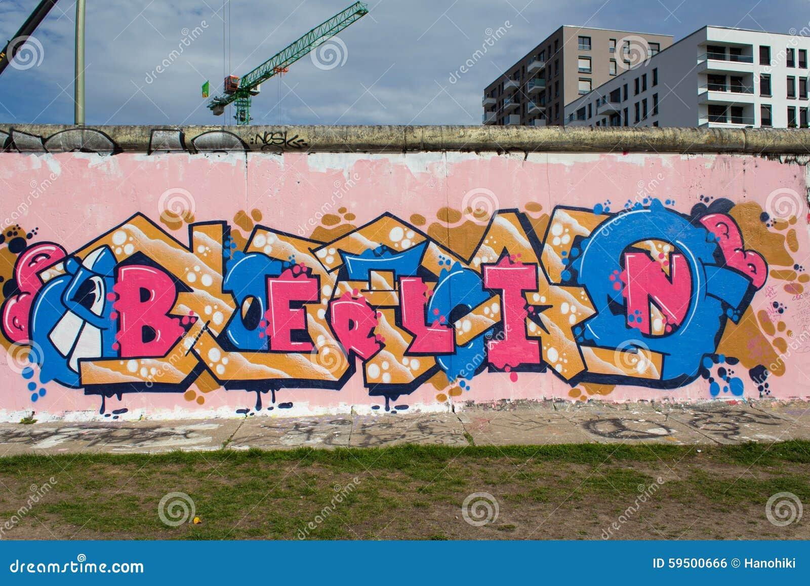 berliner mauer mit berlin graffiti redaktionelles foto bild 59500666. Black Bedroom Furniture Sets. Home Design Ideas