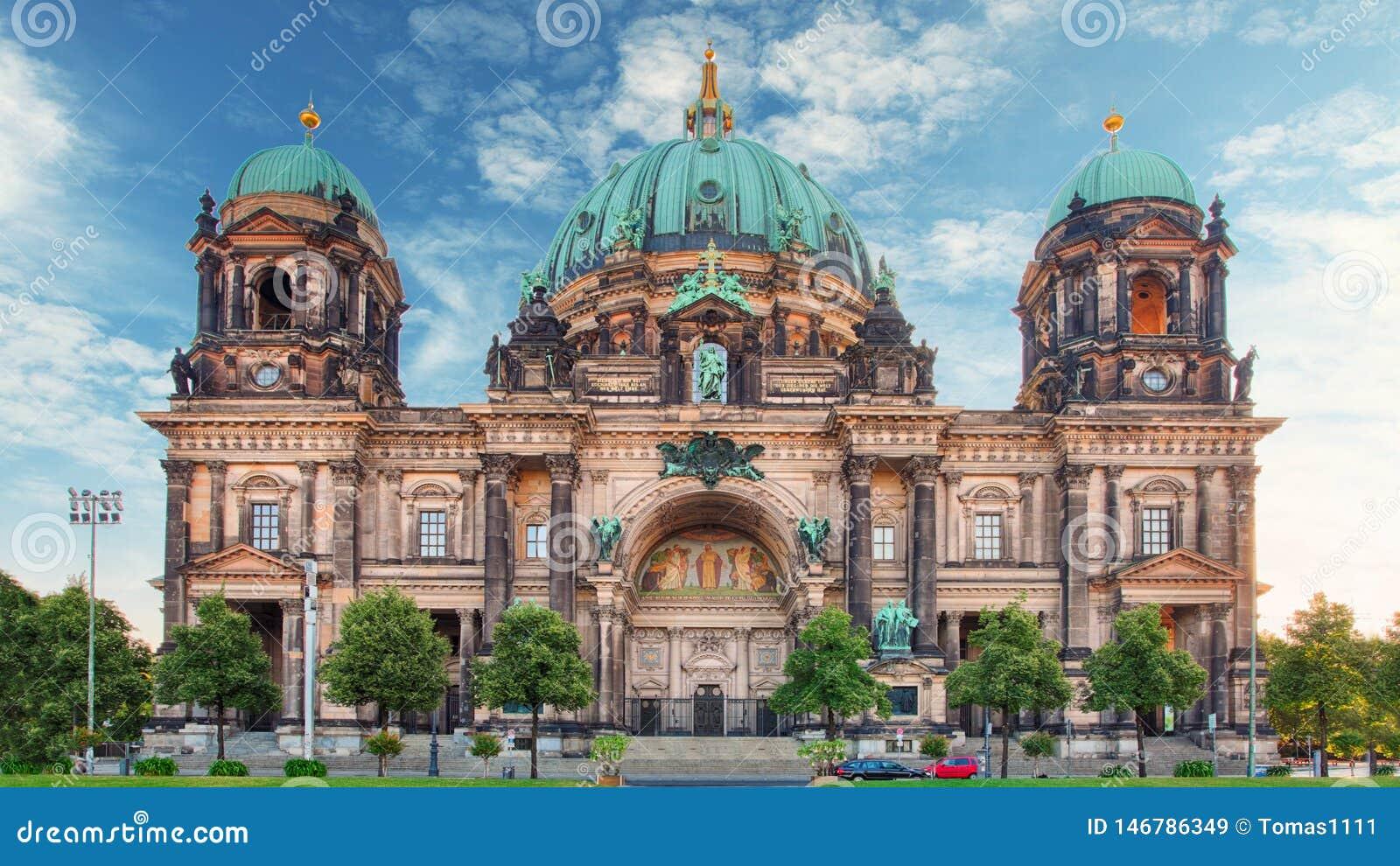 Berlino, DOM al giorno, nessuno del berlinese