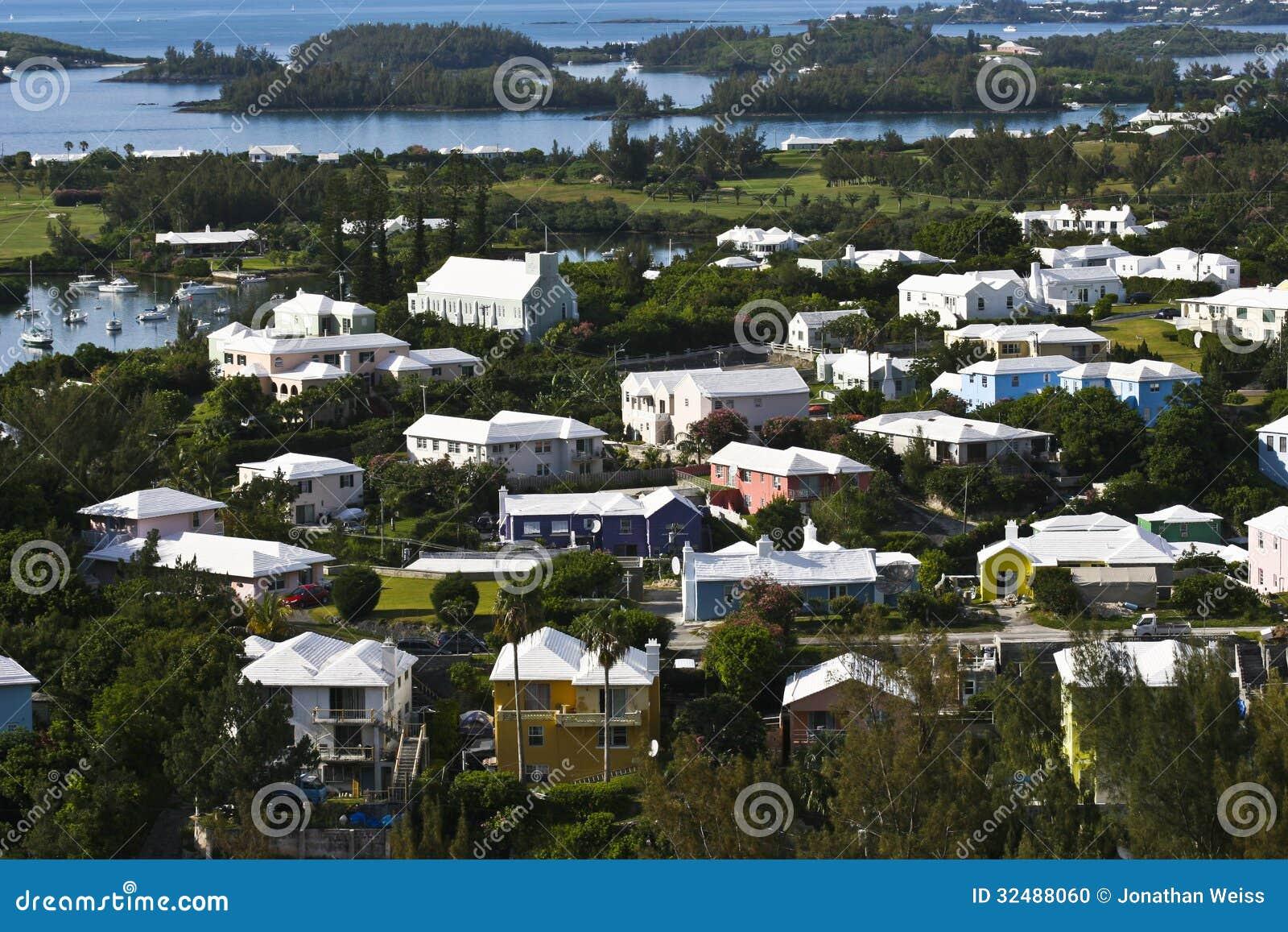 Bermuda-Häuser In Erstaunlichen Farben Stockfoto - Bild von grün ...