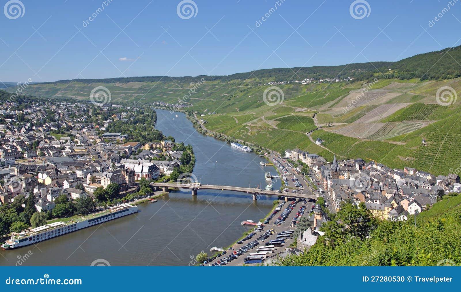 Bernkastel-Kues Mosel flod, germany