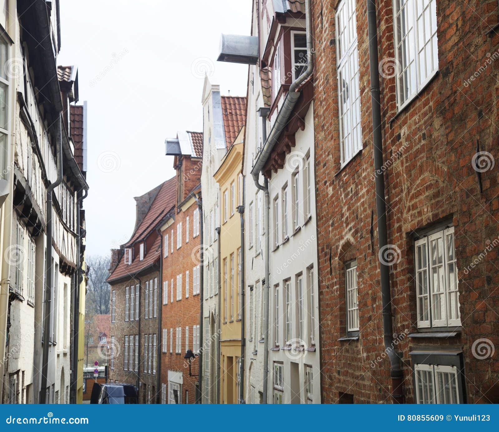 bernsteinfarbiges haus der postkartenansicht in deutschland hamburg europ ische stra e und. Black Bedroom Furniture Sets. Home Design Ideas