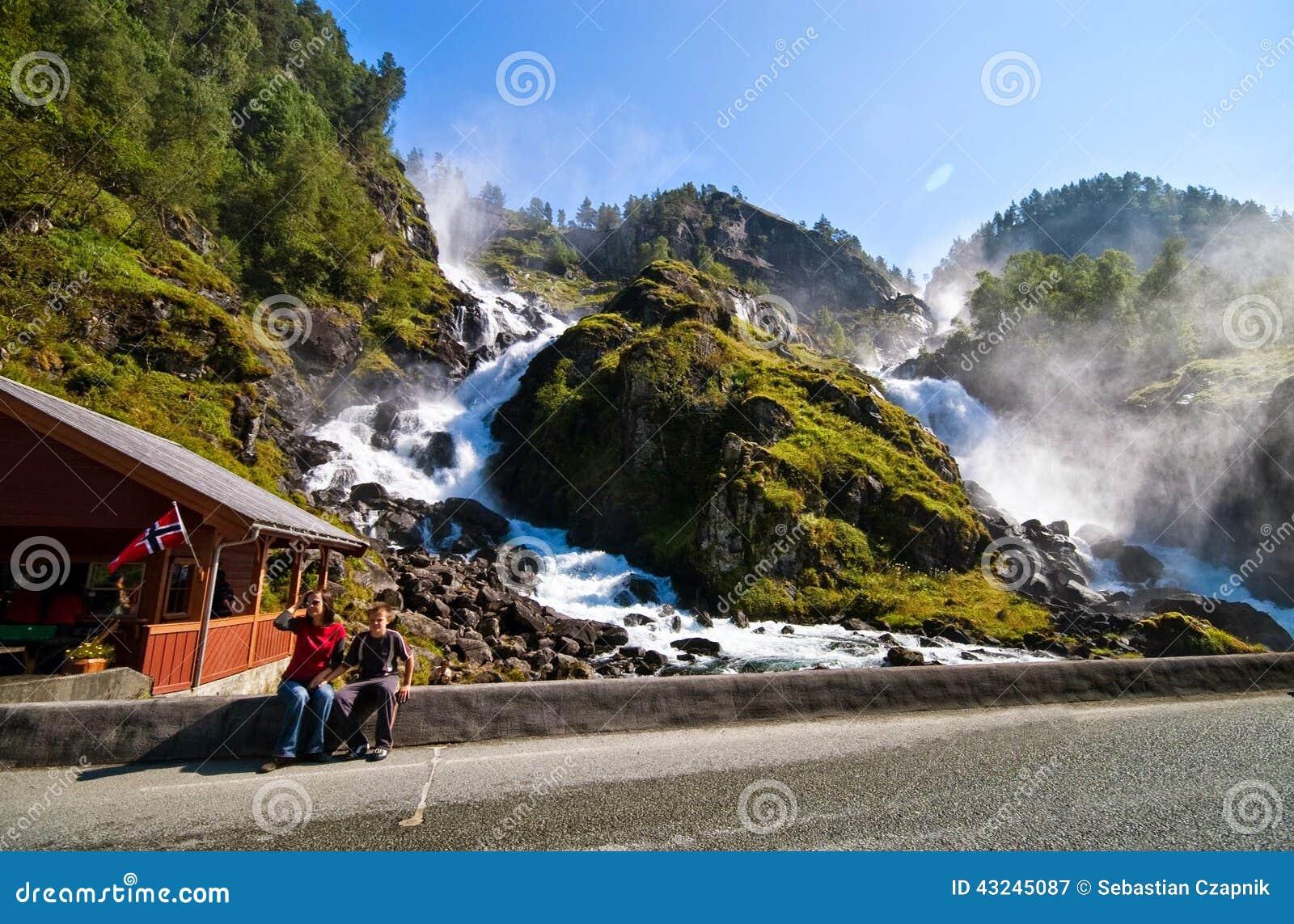 Beroemde Odda-watervallen, Noorwegen