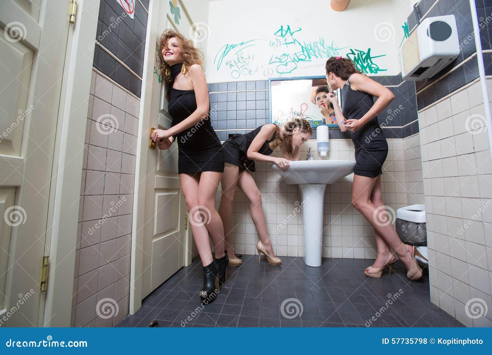 Flicka på flicka orgier