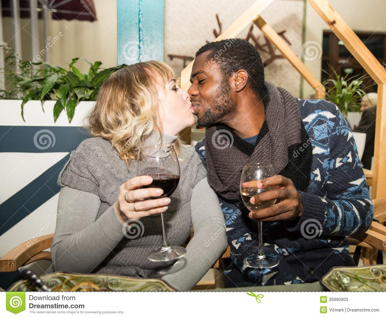 Interracial dating in illinois