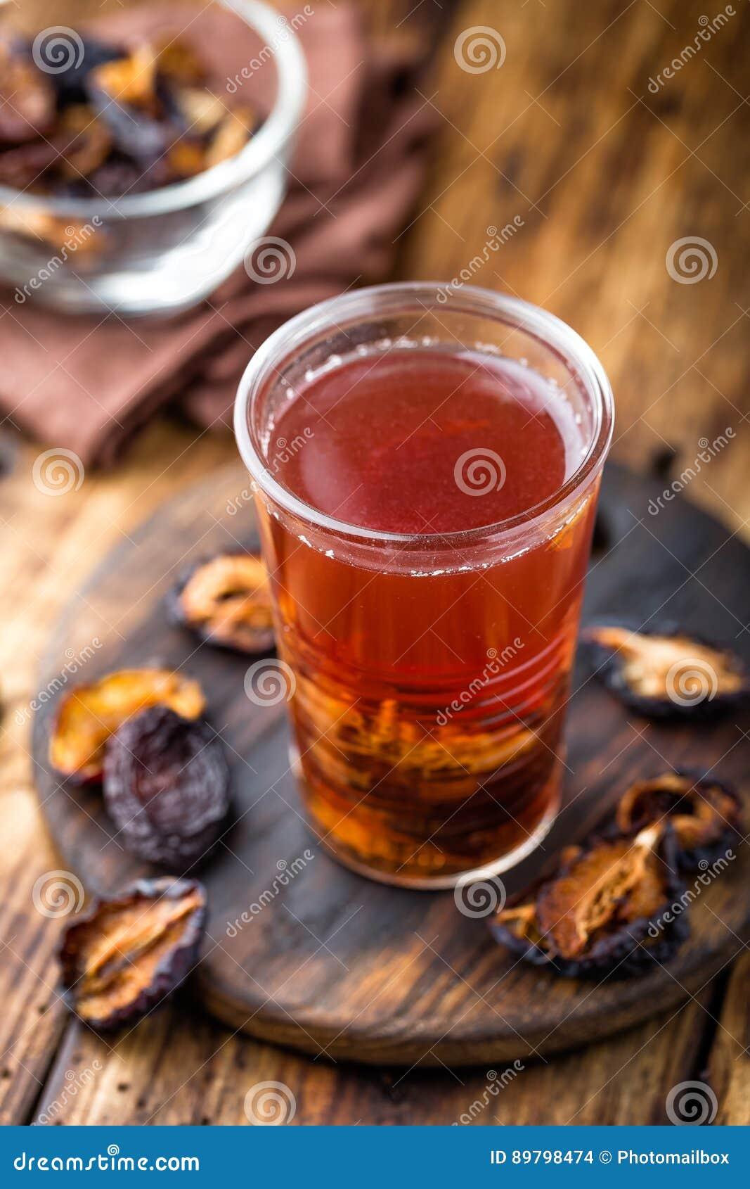 Beskära drinken, torkade plommoner extrakten, fruktdryck