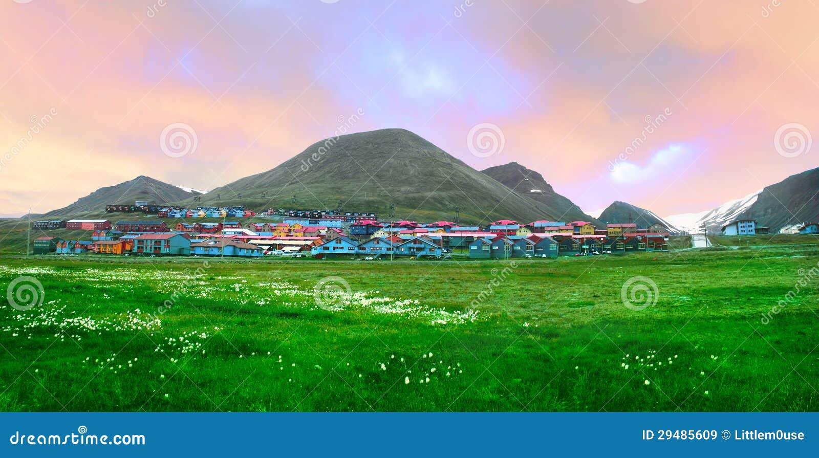 Beskåda av Longyearbyen, Norge, Spitsbergen