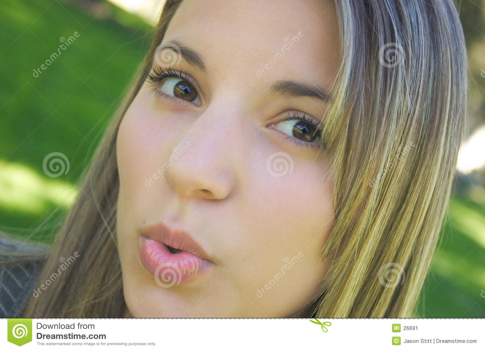 Download Beso que sopla de la mujer imagen de archivo. Imagen de adolescencias - 26691