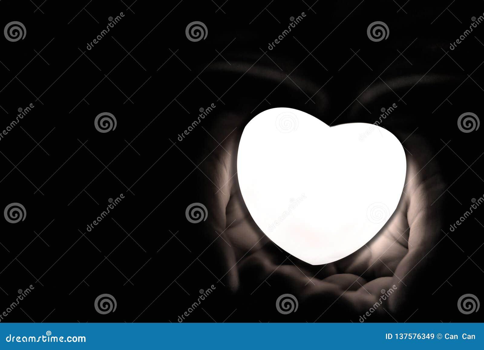 Besonders vorbereitetes Herz für Valentinstag