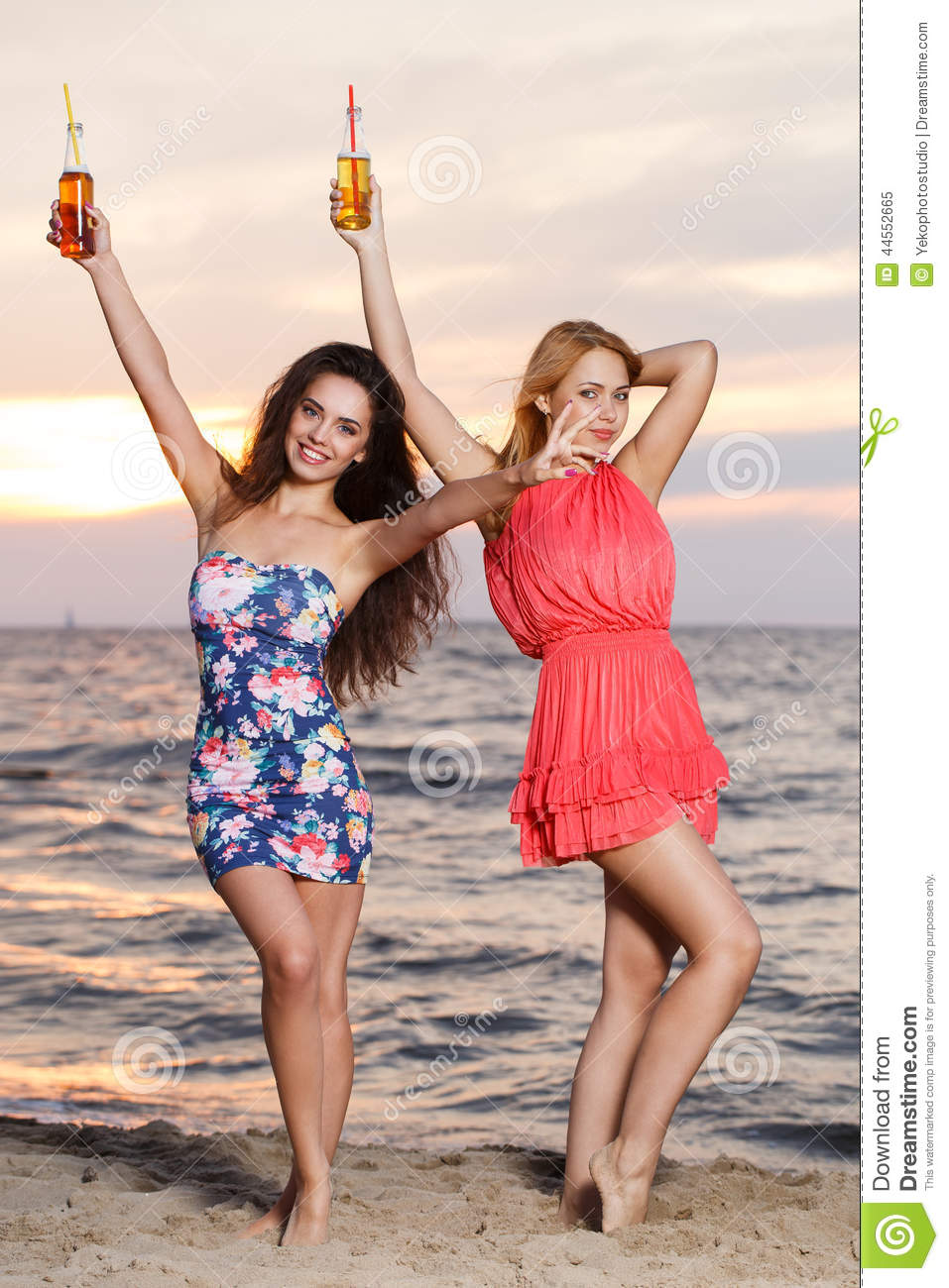 ocean beach single lesbian women Hillcrest, ocean beach, north park, downtown, golden hill, and pacific beach   although homosexual women were referred to as lesbians by this time,  single  in the eyes of the outside world, while maintaining long-term,.