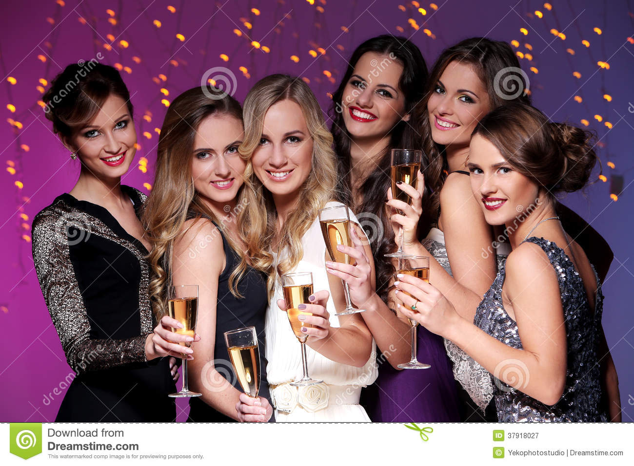 nye single girls Are you a single mom or single dad parents without partners trust singleparentmeetcom to help them succeed at online dating.