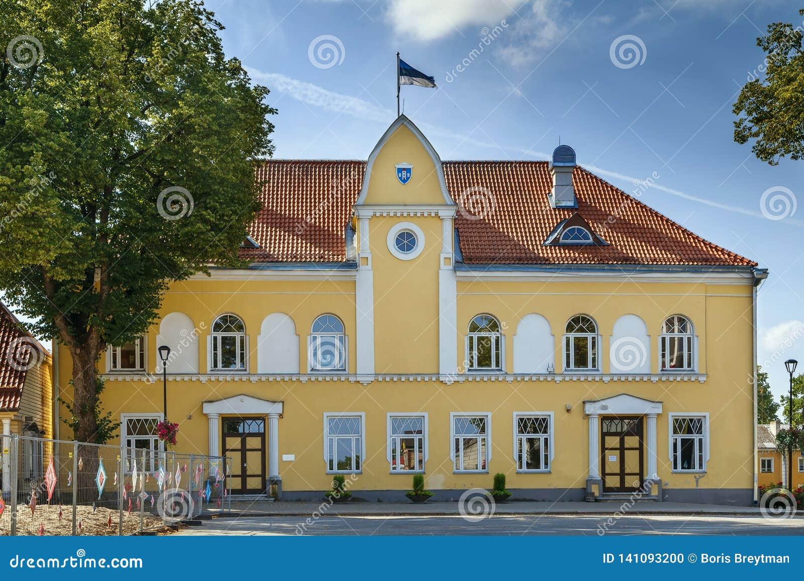 Betaald Stadhuis, Estland