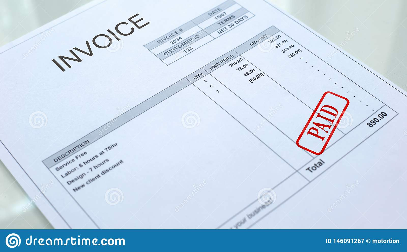 Betaalde die verbinding op rekeningsdocument wordt gestempeld, bedrijfsrekeningen, boekhoudingsuitgave