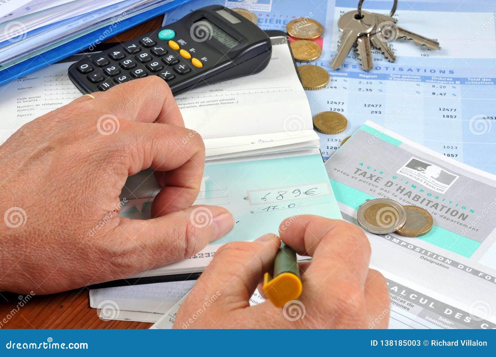 Betala din franska inhysa skatt